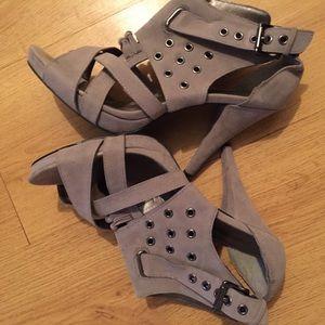 "Diba Gray 4""inch heels suede like"